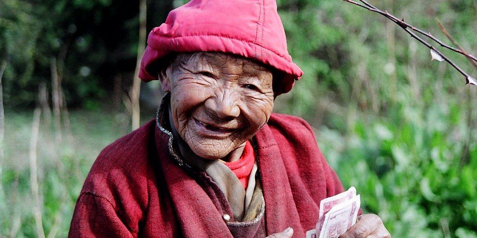 oude Tibetaanse vrouw
