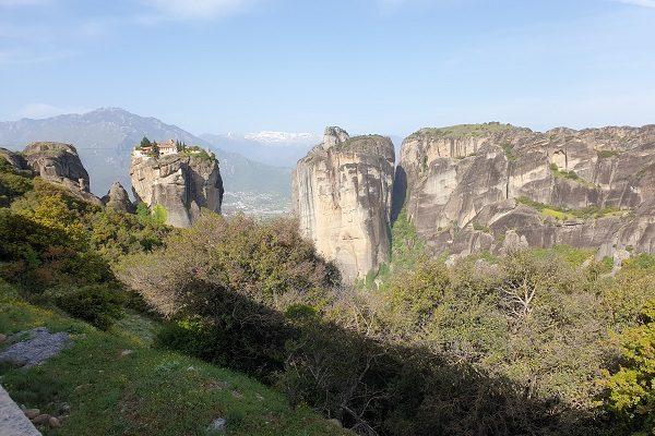 De Meteorenkloosters hoog op de rotsen